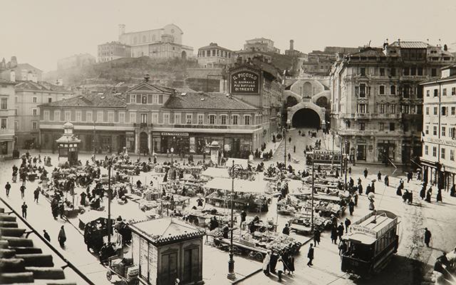 Piazza-Goldoni