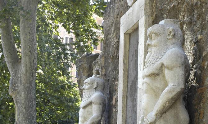 Roma da brivido i luoghi del mistero nella capitale - Porta magica piazza vittorio ...